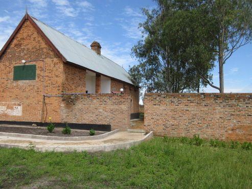 Старая тюрьма Мбалы