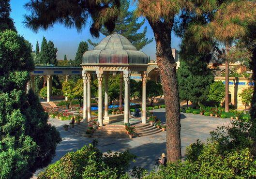 Гробница Хафиза Ширази
