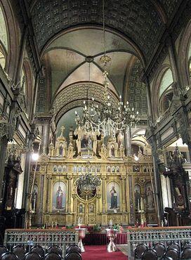 Интерьер церкви Святого Стефана