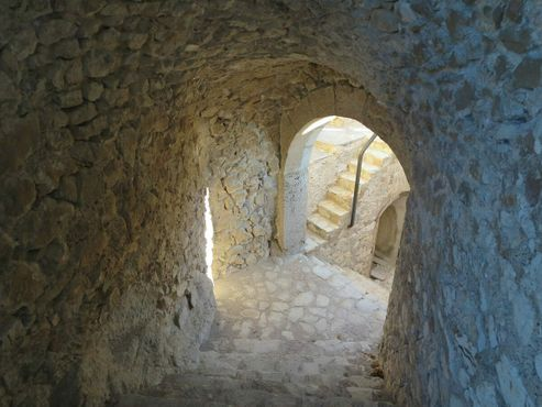Туннели внутри крепости