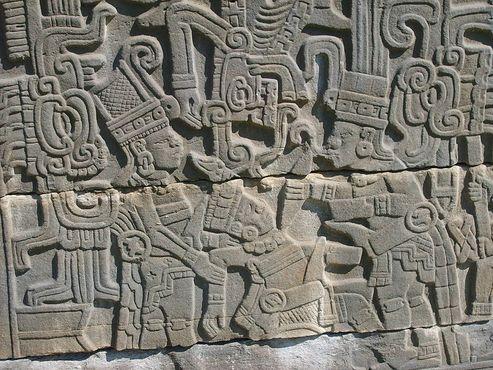 Тотонакские стелы из Эль-Тахина с изображением человеческих жертвоприношений