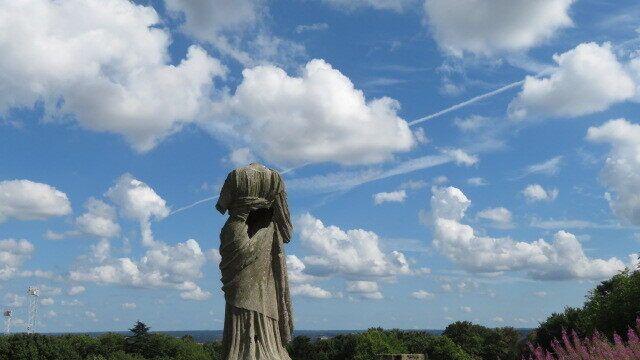 Статуя без головы