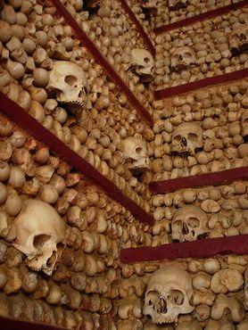 Ещё кости монахов