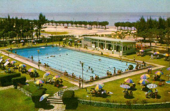 Плавательный бассейн в 1975 году