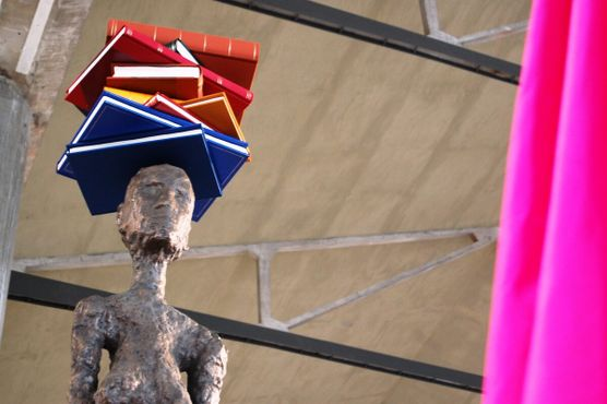 Выставка Джона Балдессари «Вариации Джакометти»