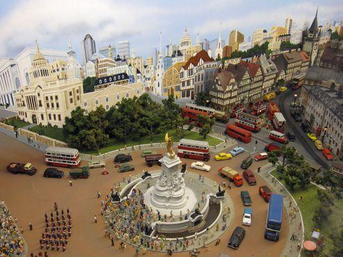 Трафальгарская площадь в миниатюре