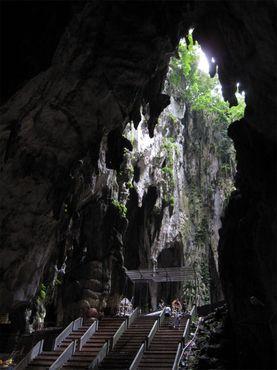 Внутри главной пещеры