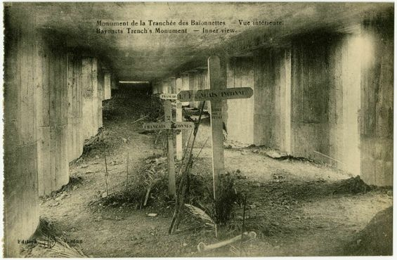 """""""Траншея штыков"""", около 1920 г."""