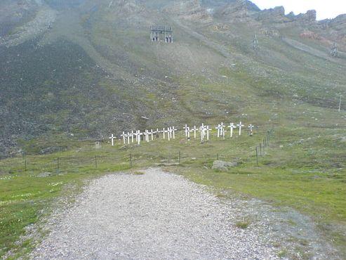 Старое кладбище, заброшенное в наше время