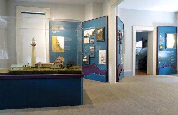 Выставка на маяке Гросс-Пойнт