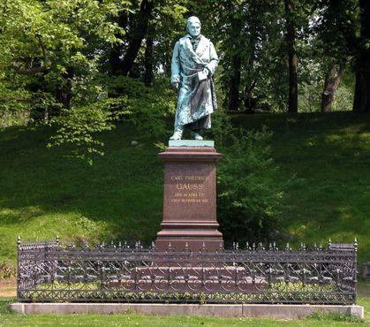 Памятник Гауссу