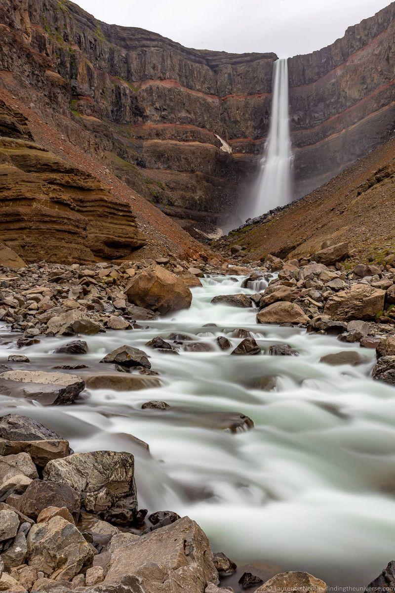 водопады Исландии 25 лучших водопадов Исландии aHR0cHM6Ly93d3cuZmluZGluZ3RoZXVuaXZlcnNlLmNvbS93cC1jb250ZW50L3VwbG9hZHMvMjAxOC8wOC9IZW5naWZvc3MtV2F0ZXJmYWxsLUljZWxhbmRfYnlfTGF1cmVuY2UtTm9yYWgtMi5qcGc