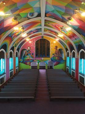 Интерьер Международной церкви каннабиса