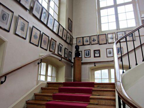 Лестница, ведущая в музей
