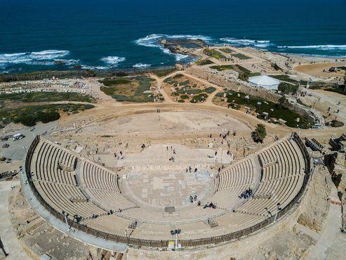 Древний театр в Кесарии Приморской