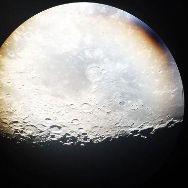 Луна снята с iPhone через 60-дюймовый телескоп
