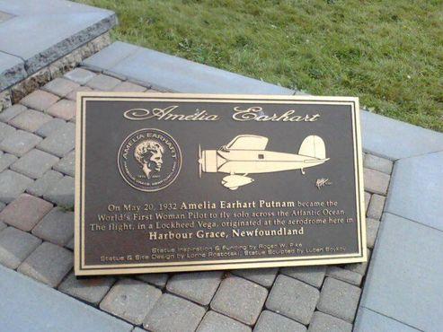 Мемориальная доска от памятника Эрхарт на Уотер-стрит