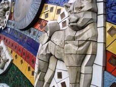 """Фреска """"Хатико"""" на стене станции Сибуя"""
