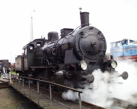 Локомотив №4981 «Mainz» на поворотном круге