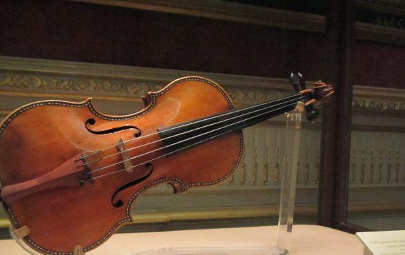 Скрипка Страдивари в Королевском дворце в Мадриде