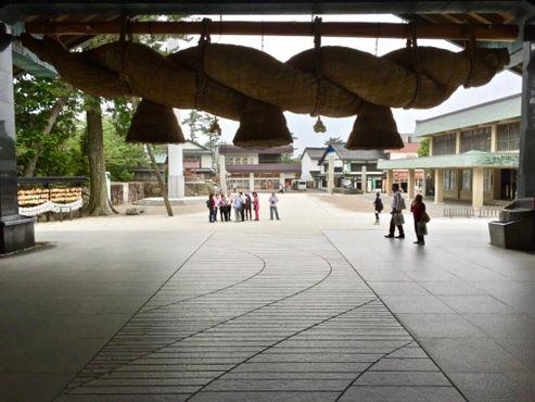 """Зал поклонения в Идзумо-тайся или """"Haiden"""""""