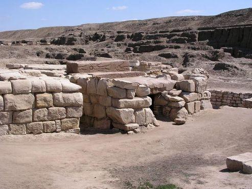 Танисские гробницы