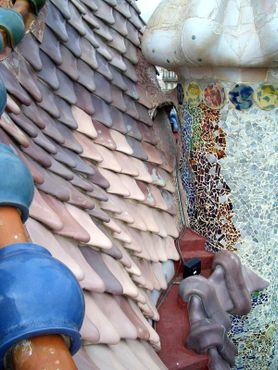 «Драконья» крыша Каса-Батльо