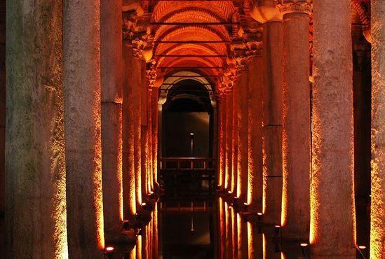 336 античных колонн