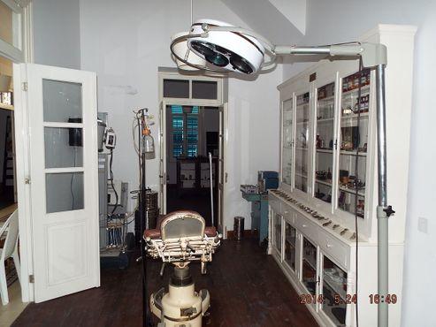 Старое хирургическое оборудование в музее