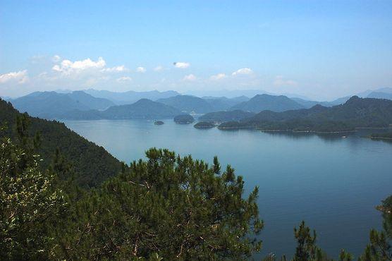 Озеро Цяньдаоху