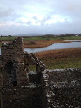 Вид на стены с крыши замка