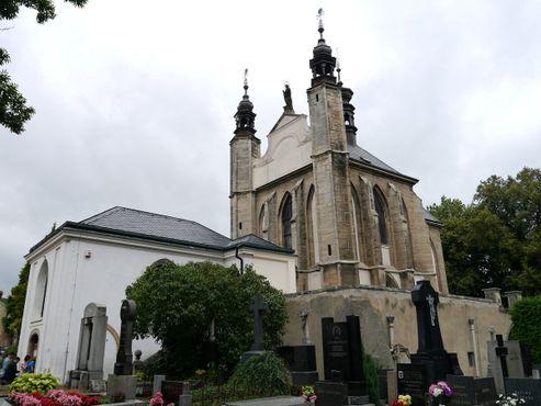 Кладбище церкви Всех Святых