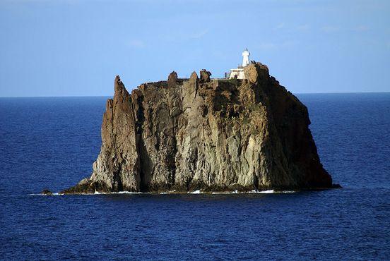 Остров Стромболиккьо