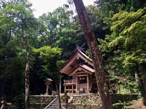 Меньший храм на территории Идзумо-тайся
