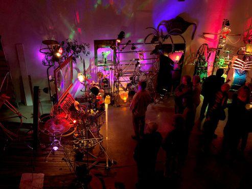 Гости в Галактике Бевелдома - Музее кинетического искусства