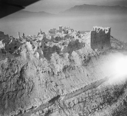 Разрушенное аббатство после бомбардировки в 1944 году