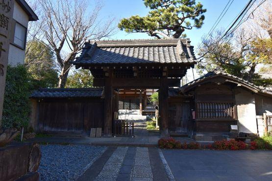"Ворота ""санмон"" датируются поздним периодом Эдо"