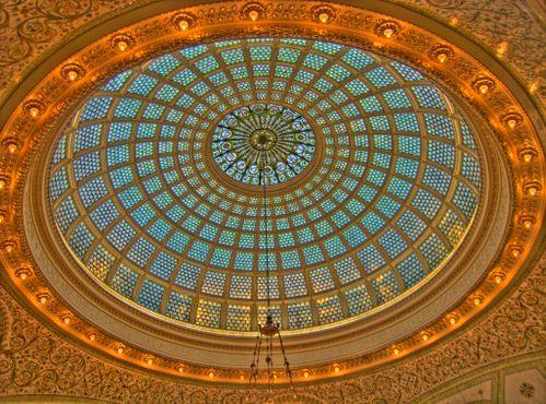 Недавно отреставрированный купол Тиффани