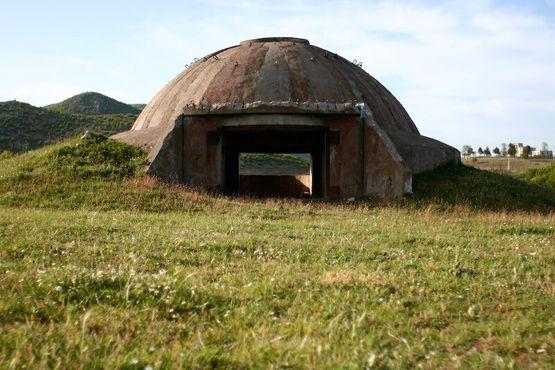 Бункер в сельской местности Албании