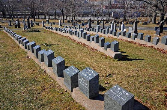 150 жертв катастрофы на «Титанике» похоронены на кладбищах Галифакса, в том числе и на кладбище Фэйрвью