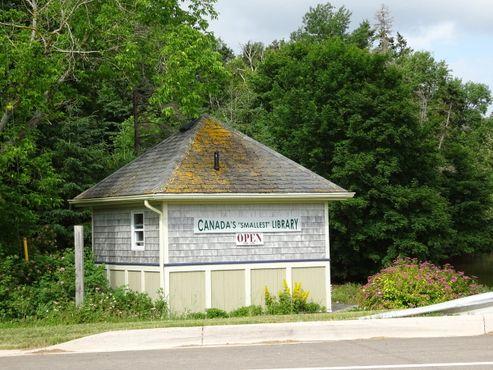 Самая маленькая библиотека в Канаде