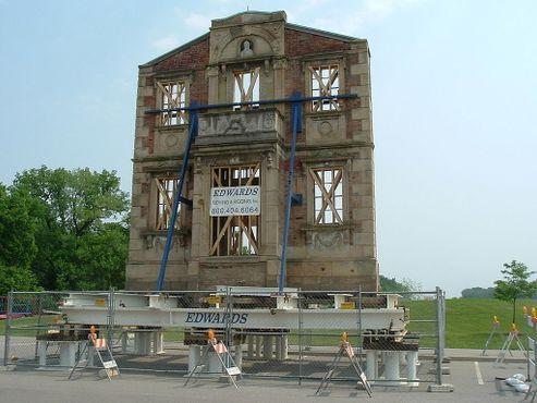 Перенос фасада дома Хейголда в 2007 году