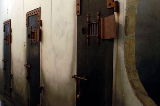Тюремные камеры«Ханой Хилтон»