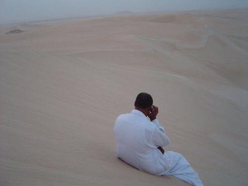 Неожиданно будет узнать, что даже в пустыне Сахара существует телефонная связь