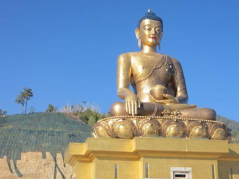 Статуя Будды вблизи