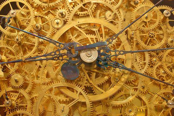 Астрологические часы Августинского монаха - одной из стрелок требуется 20000 лет для вращения.