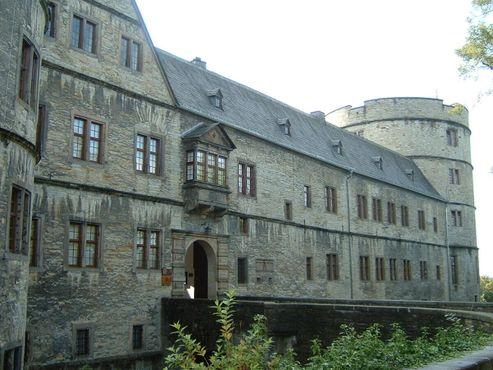 Фасад замка XVII века
