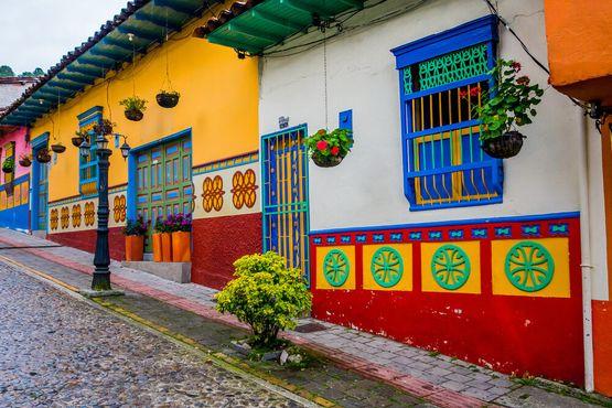 Прекрасные яркие улицы Гуатапе