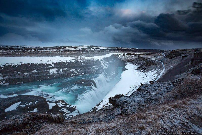 водопады Исландии 25 лучших водопадов Исландии aHR0cHM6Ly93d3cuZmluZGluZ3RoZXVuaXZlcnNlLmNvbS93cC1jb250ZW50L3VwbG9hZHMvMjAxNy8wMy9HdWxsZm9zczJCd2F0ZXJmYWxsMkJJY2VsYW5kX2J5X0xhdXJlbmNlMkJOb3JhaC0zLmpwZw