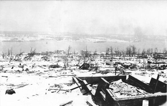 Разрушенный северный район Галифакса